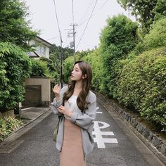 Image may contain: one or more people, tree, plant, outdoor and nature Pretty Korean Girls, Cute Korean Girl, Asian Girl, Mode Ulzzang, Ulzzang Korean Girl, Ulzzang Fashion, Korean Fashion, Ullzang Girls, Classy Aesthetic