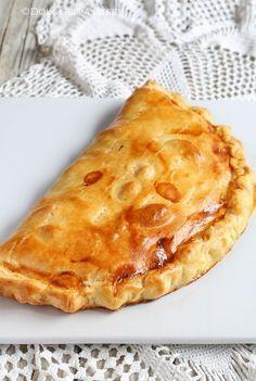 Calzone, Focaccia Pizza, Quiche, Pizza Rustica, Cold Dishes, Good Food, Yummy Food, Empanadas, Mini Foods