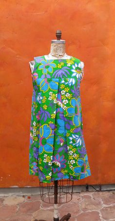 Vintage 60s Mod Hawaiian Floral Tropical Shift DRESS. Green Yellow Purple Blue Pink. Hop-Ins