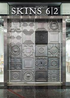 Skins 6|2 entrance door