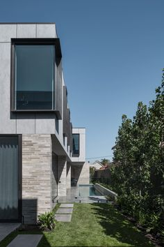 Image 21 of 24 from gallery of Bayside House / Adam Kane Architects. Photograph by Tom Blachford Contemporary Architecture, Interior Architecture, Polished Plaster, Solid Brick, Brick Facade, Light Of Life, Global Design, New Builds, Outdoor Rooms