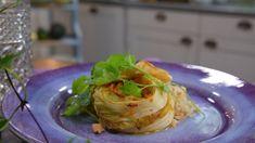 Testa koreansk kimchi - kryddad kinakål, här i billig vardagsmatsversion Kimchi, Asian Recipes, Cabbage, Vegetables, Food, Essen, Cabbages, Vegetable Recipes, Meals