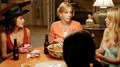 Susan Mayer (Teri Hatcher), Lynette Scavo (Felicity Huffman), Edie Britt (Nicolette Sheridan) ~ Desperate Housewives Stills ~ Season 2, Episode 9 ~ That's Good, That's Bad