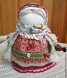 Народные куклы ручной работы. Ярмарка Мастеров - ручная работа. Купить Девочка с конфеткой Клюковка (кукла-оберег). Handmade. Комбинированный