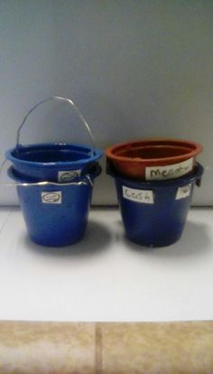 Breyer horse feed buckets, these are so easy just paint old small cups! From Taco Bell or some place like that