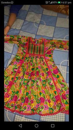 Girls Frock Design, Baby Dress Design, Baby Girl Dress Patterns, Beautiful Pakistani Dresses, Pakistani Dresses Casual, Pakistani Dress Design, Frocks For Girls, Kids Frocks, Little Girl Dresses