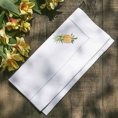 Monogrammed Napkins, Personalized Napkins, Linen Napkins, Embroidery Works, Embroidery Designs, Wedding Napkins, Zara Home, Linen Bedding, Bed Linens