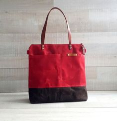 WAXED CANVAS TOTE in Red and Brown ZiPPERED Unisex by bayanhippo