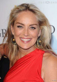 Sharon Stone in De Grisogono pearl earrings