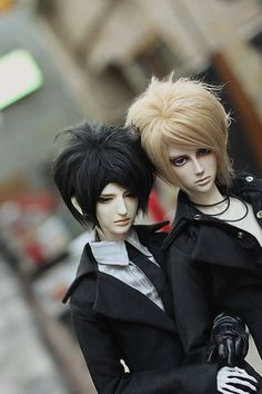 Here's our new picture(RD-Vincent) from Chinese Ringdoll lover 00 sama . Hope you like them!   More about Vincent:[link]  And any question is welcome to jenny@ringdoll.com,jenny will help you.