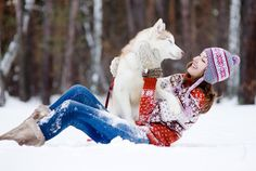 13 Things That Happen When You Date a Girl Who Loves Her Dogs - Also this husky looks JUST like one of ours Northern Inuit Dog, Dog Thoughts, A Husky, Doberman Pinscher, Baby Dogs, Doggies, Girls Best Friend, Fleas, Animal Photography