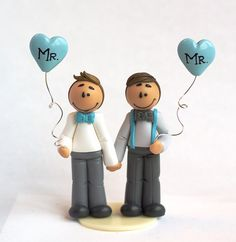 "Mini figurine de mariage gay ""Jeremy""  - DISPONIBLE / Prête à l'envoi  Gay wedding cake topper - Figurine mariage gay  #littlemandarine #caketopper #gaywedding  www.littlemandarine.com"