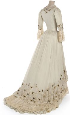 Chiffon evening dress, Doucet, Paris, 1900-05, (rear view)