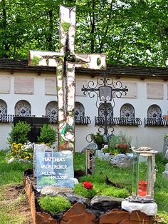 Artistic Grave Monuments, Welded Crosses and Gravestones | GAHR