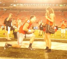 Georgia LB Jake Ganus Proposes to GF At Midfield After Win- http://getmybuzzup.com/wp-content/uploads/2015/09/518420-thumb.jpg- http://getmybuzzup.com/georgia-lb-jake-ganus-proposes/- By Glenn Erby Well she said yes! After helping Georgia all but retire Steve Spurrier with a 52-20 stomping of South Carolina, Bulldog linebacker Jake Ganus was just getting started. In a surprise that only comes if the Bulldogs win, Ganus got engaged. While down on the Sanford Stadium field with