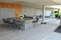 Terrassentraum mit Holzdeck und Sichtbeton.  #terrasse #holzboden #sichtbeton…