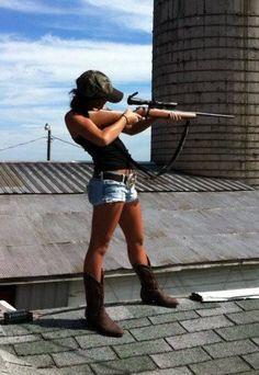Camo cap, big gun, boots, cut offs.  #loveit