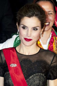Queen Letizia of Spain Photos Photos - Queen Letizia of Spain attends a Gala Dinner at the Dukes of Braganza Palace during her official visit to Portugal on November 28, in Guimaraes, Portugal - Spanish Royals Visit Portugal - Day 1