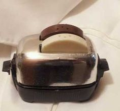 Vintage1950s USA Metal Toaster with Pop Up Toast Salt Pepper Shakers Bread Slices