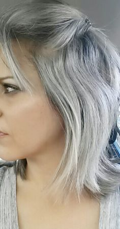 Can gray hair on a young person look professional? I want gray hair!!!!!
