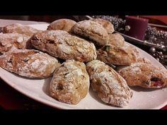 Broinhas de Abóbora | Receita de Natal! - YouTube Christmas Biscuits, Christmas Baking, Food Cakes, Portuguese Recipes, Portuguese Food, Chocolate, Bread Baking, Cooking Tips, Nom Nom