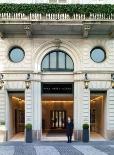 http://www.lowestroomrates.com/avail/hotels/Italy/Milan/Park-Hyatt-Milano.html?m=p With a stay at Park Hyatt Milano, you'll be centrally located in Milan, steps from Palazzo dei Giureconsulti and Palazzo della Ragione. This 5-star hotel is within close proximity of Galleria Vittorio Emanuele II and Piazza dei Mercanti. #ParkHyattMilano #MilanHotels