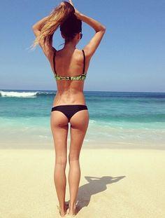 http://bikini.allfreepics.info/bikiniafp/bikiniallfreepics/bikinistufftoo-skinny-legs-but-she-is-really-pretty