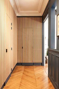 Custom closet door for decorative storage Placard Design, Door Design, House Design, Architecture Renovation, Home Interior, Interior Design, Home Automation System, Cupboard Doors, Decorative Storage