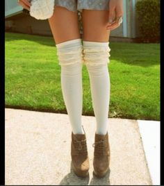 When wearing detailed high socks, try too wear clothes that are darker then your socks to make the detail pop! For example, in this photo, the girl is wearing white high socks, with frills above the knee. On her body, she is wearing a light blue.