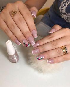 25 patrones de uñas decoradas con esmalte nude2  #con #decoradas #esmalte #nude2 #patrones #uñas