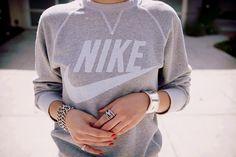 spor giyim - sports clothing
