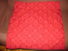 Capa de Almofada ponto capitone Skirts, Fashion, Mantle, Throw Pillows, Toss Pillows, Moda, Fashion Styles, Skirt