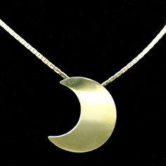 Stevie Nicks Style 14K Gold Crescent Moon Pendant Necklace.
