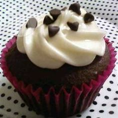 Chocolate cake mix and a mixture of cream cheese and chocolate chips deliver a new twist on plain chocolate cupcakes in this recipe! Chocolate Fudge Frosting, Chocolate Cake Mixes, White Chocolate Chips, Chocolate Cupcakes, Filled Cupcakes, Fun Cupcakes, Toffee Bits, Cupcake Wars, Recipe Mix