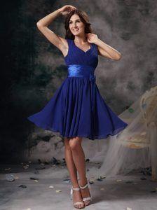 Peacock Blue V-neck Knee-length Informal Dama Dresses with Ruching