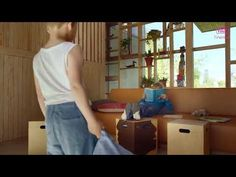 (1) It's a hard knock life! Norwegian milk ad - YouTube