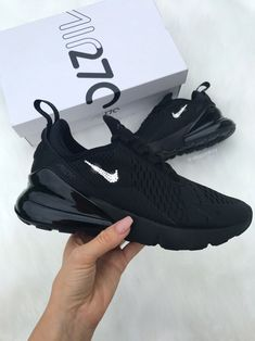 All Black Nike Shoes, Bling Nike Shoes, All Black Nikes, Black Nike Sneakers, Moda Sneakers, Nike Shoes For Sale, Nike Free Shoes, Running Shoes Nike, Air Max Sneakers