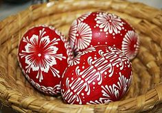 Old tradition - Wax Batik Easter Egg Pattern, Cute Egg, Egg Tree, Ukrainian Easter Eggs, Egg Designs, Easter Holidays, Egg Decorating, Christmas Balls, Easter Crafts