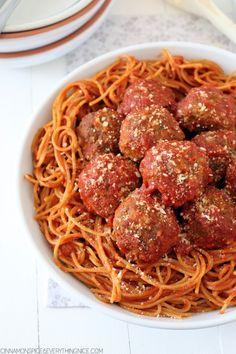 Mama's Best Ever Spaghetti & Mozzarella Meatballs @ragusauce #Saucesome #ads
