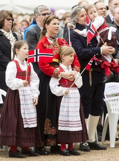 The Royal Hats Blog | May 17, 2013 | In London, Princess Martha-Louise attended Norwegian National Day events with her family.