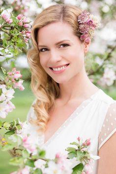 Style Shoot Kirschblüten Julia Schick Fotografie Brautkleid Claire
