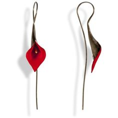 Handmade Black Plated Silver Red Lily Drop Earrings (35.550 HUF) ❤ liked on Polyvore featuring jewelry, earrings, earring jewelry, flower jewellery, lily flower jewelry, red flower earrings and red jewelry