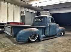 Vintage Trucks Classic Hot Wheels - That twin turbo LSX goodness via and , super cool 50 Chevrolet underway! Custom Pickup Trucks, Classic Pickup Trucks, Old Pickup Trucks, New Trucks, Cool Trucks, 54 Chevy Truck, Chevy 3100, Lifted Chevy Trucks, Chevy Pickups