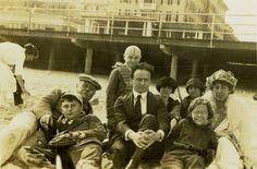 Harry Houdini with Sir Arthur Conan Doyle's family in Atlantic City, 1922.