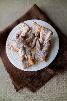 A delicious fry pastry. Chilean Recipes, Pan Dulce, 30 Minute Meals, Pudding, Cookie Desserts, Sweet And Salty, Desert Recipes, Sin Gluten, Fritters