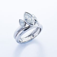 #Marquise #ThreeStone #Ring by Jon Dibben http://www.fldesignerguides.co.uk/engagement-ring-designer/jondibben
