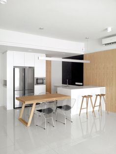 Dry kitchen / dining