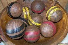 Old croquet balls in a dough bowl, yes! I took the mallets and put them in a crock. Vintage Sports Decor, Vintage Games, Croquet Party, Dough Bowl, Game Room Decor, Flea Market Finds, Cool Rooms, Decorative Accessories, Rustic Decor