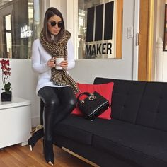 Shooting day in NY! Getting my coffee break on☕️ #MakerStudios ------------ Dia de gravações em NY! Break pra um cafezinho! {photo by @beningboy3000}