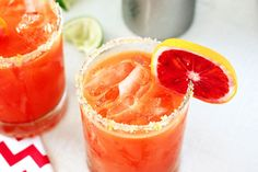 Ginger Blood Orange Tequila Cocktail - perfect for #Halloween! #recipes #cocktails
